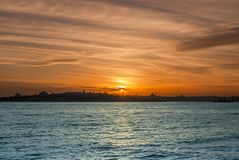 Sonnenuntergang von Istanbul lizenzfreie stockfotos