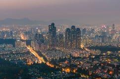 Sonnenuntergang von Seoul-Stadt-Skylinen, Südkorea Stockfotos