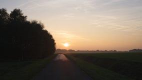 Sonnenuntergang während einer Oktober-Wanderung nahe Ootmarsum (die Niederlande) Lizenzfreies Stockbild