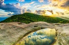 Sonnenuntergang, weiße Felsen übersehen, Nationalpark Cumberlands Gap Stockbild