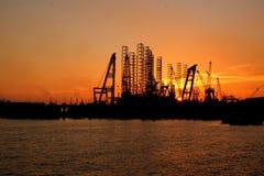 Sonnenuntergang an Werft 2 lizenzfreie stockbilder