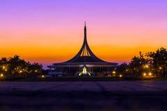 Sonnenuntergang-Zeit in Bangkok Lizenzfreie Stockfotos