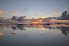 Sonnenuntergangansicht über Rarotonga, Koch-Inseln lizenzfreie stockfotografie