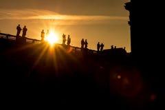 Sonnenuntergangansicht von St- Peter` s Basilika in Vatikan Stockfotos