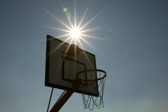 Sonnenuntergangbasketball Lizenzfreies Stockfoto
