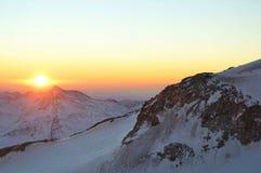 Sonnenuntergangberg lizenzfreie stockbilder