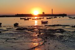 Sonnenuntergangboote stockfoto
