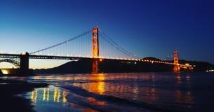 Sonnenuntergangbrücke lizenzfreies stockfoto