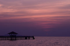 Sonnenuntergangbrücke Lizenzfreie Stockfotos