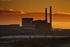Sonnenuntergangfabrik Lizenzfreie Stockfotos