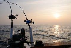 Sonnenuntergangfischen Lizenzfreie Stockfotos