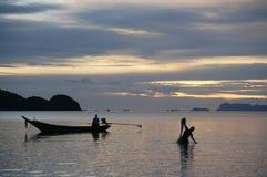 Sonnenuntergangfischen Lizenzfreies Stockbild
