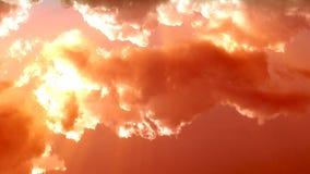Sonnenunterganghimmel, Gesamtlänge auf Lager stock video footage