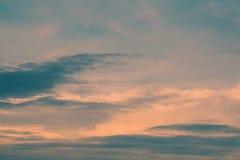 Sonnenunterganghimmelhintergrund Stockfotos