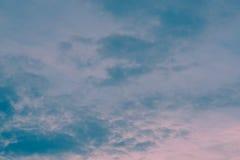 Sonnenunterganghimmelhintergrund lizenzfreies stockfoto