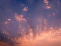 Sonnenunterganghimmellicht Stockbild