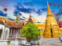 Sonnenunterganglandschaft königlichen Palastes Thailands Stockfotografie