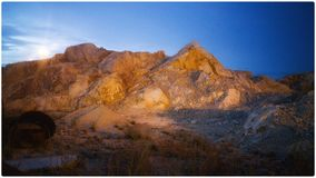 Sonnenunterganglandschaft nach der Arbeit Stockfotografie