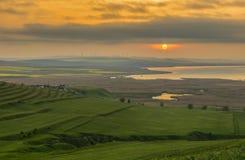 Sonnenunterganglandschaft in Rumänien stockfoto