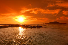Sonnenuntergangmeerblick und Vulkan, Cheju Island stockfotos