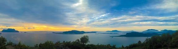 Sonnenuntergangpanoramaansicht zu Alesund von Fjellstua-Standpunkt, Norwegen Lizenzfreie Stockfotografie