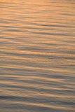 Sonnenuntergangreflexion auf Meer Stockfotos