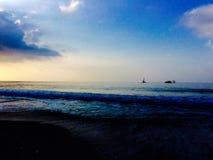 Sonnenuntergangschiff Stockfoto