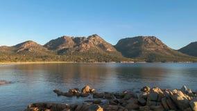 Sonnenuntergangschuß von Coles-Bucht und von Gefahren stockfoto