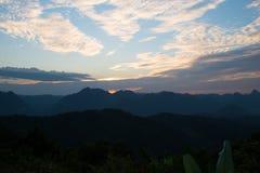 Sonnenuntergangstandpunkt am Mönch Crubasai - Thailand Lizenzfreie Stockfotografie