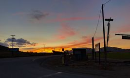 Sonnenuntergangstraße Lizenzfreies Stockfoto