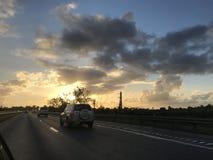 Sonnenuntergangstra?e lizenzfreies stockfoto