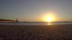 Sonnenuntergangstrand Timelapse Sch?ner Sonnenuntergang auf dem Meer, stock video