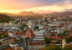 Sonnenuntergangszene der Ljubljana-Skyline Stockfotos