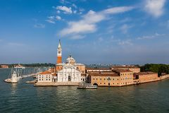 Sonnige Ansicht von Insel Sans Giorgio, Venedig, Italien Stockbild