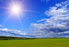 Sonnige Landschaft Lizenzfreies Stockfoto