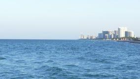 Sonnige Südinseln Miamis setzen Pierpanorama 4k Florida USA auf den Strand stock video