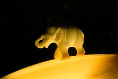 Sonniger Elefant Lizenzfreie Stockbilder