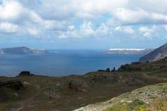 Sonniger Morgen des Sommers auf der Insel von Santorini, Griechenland stockbild