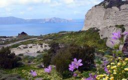 Sonniger Morgen des Sommers auf der Insel von Santorini, Griechenland lizenzfreies stockfoto