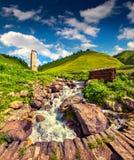 Sonniger Sommermorgen im Dorf Adishi Lizenzfreie Stockbilder