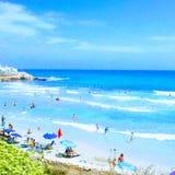 Sonniger Strand von Torrevieja lizenzfreies stockbild
