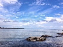Sonniger Tag auf der Insel von Patmos stockbild
