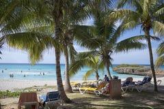 Sonniger Tag an der Strand-Front in Don Lino, Kuba lizenzfreies stockbild