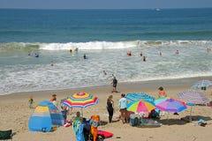 Sonniger Tag heraus am Strand Stockbild