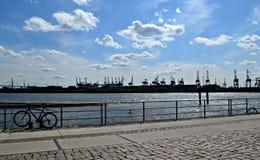 Sonniger Tag im Hafen Stockbild