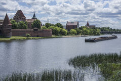 Sonniger Tag in Malbork, das Schloss Stockfotos