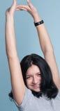 Sonniges glückliches Mädchen. Hände oben Lizenzfreies Stockfoto