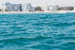 Sonniges Strandurlaubsort in Bulgarien Stockbild