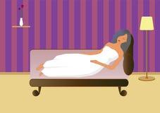 sonno donna/della ragazza sullo strato Fotografie Stock Libere da Diritti