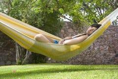 Sonno in hammock Fotografie Stock